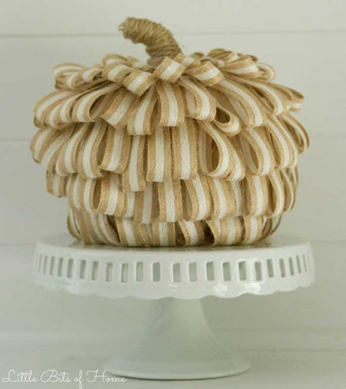40+ NO CARVE Pumpkin Ideas You'll Want to Try This Fall!! Burlap Looped Farmhouse Chic Pumpkin