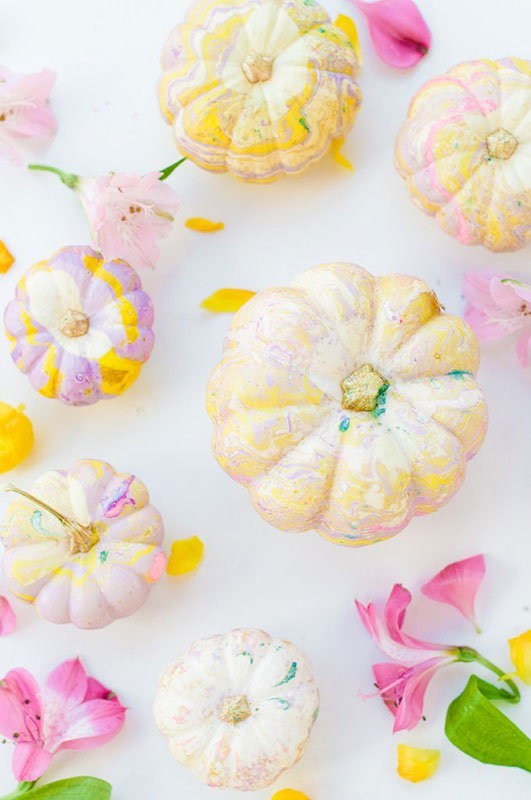 51 Cute Painted Pumpkin Ideas - The Proper Blog DIY Marbled Pumpkins