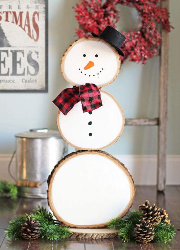 51 CUTEST Snowman Crafts | Wood Slice Standing Snowman Craft