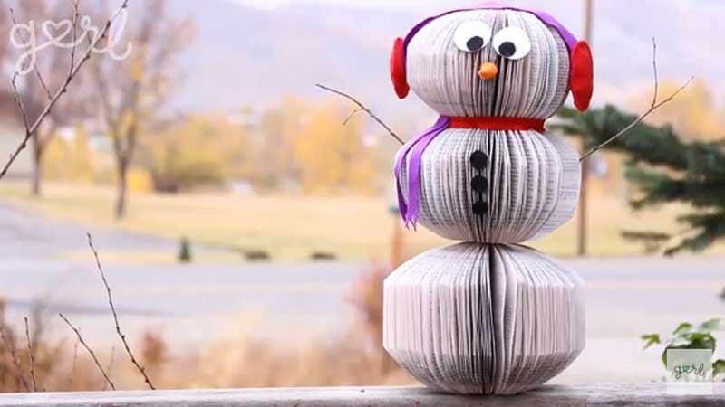 51 CUTEST Snowman Crafts | Upcycled Book Snowman