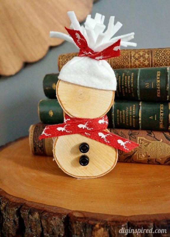 51 CUTEST Snowman Crafts | mini wood slice snowman