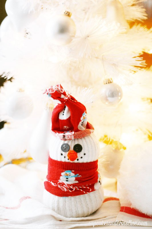 51 CUTEST Snowman Crafts | Upcycled Sock Snowman Craft
