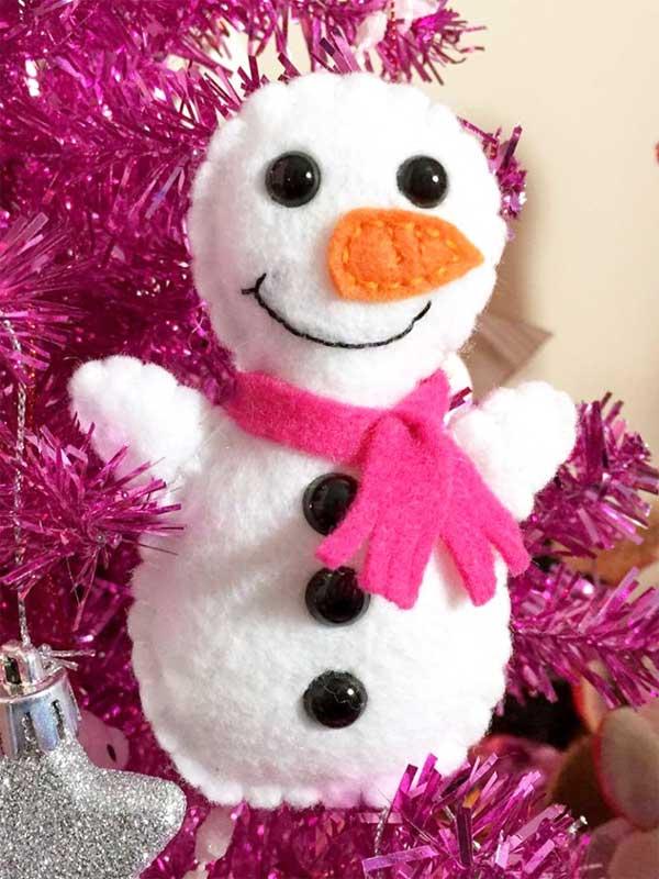 51 CUTEST Snowman Crafts | Felt snowman ornament idea