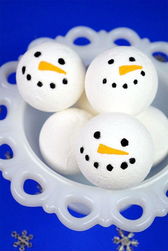 51 CUTEST snowman crafts | DIY snowman bath bombs