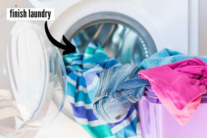 19 Things To Do At Home Before You Travel Checklist - finish laundry