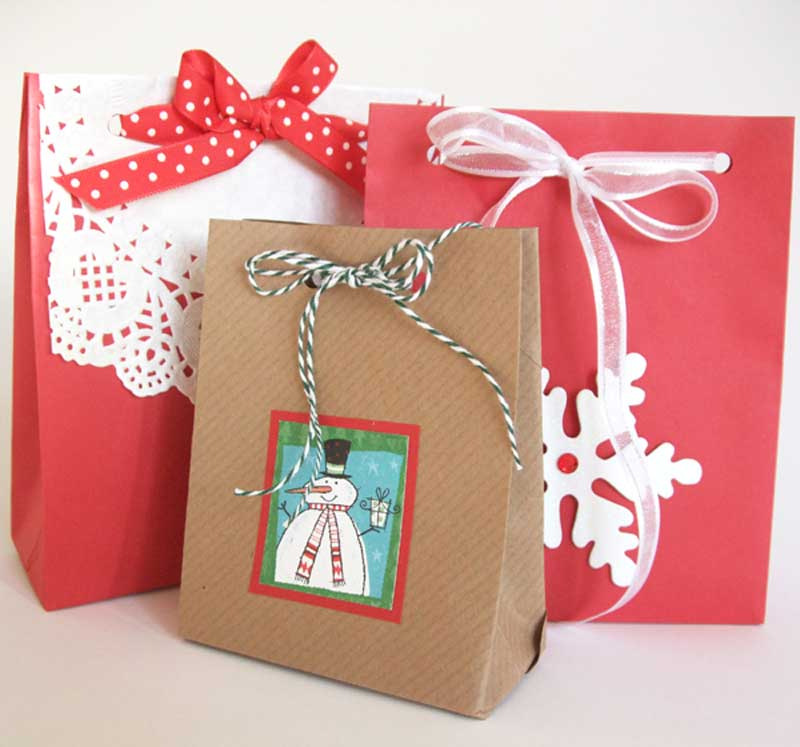 Reusable Wrapping Paper Ideas: gift bags made from old envelopes