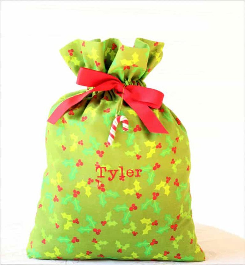 Reusable Wrapping Paper Ideas: scrap fabric gift bags