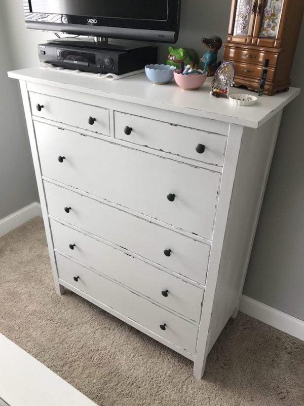 distressed white Hemnes dresser hack