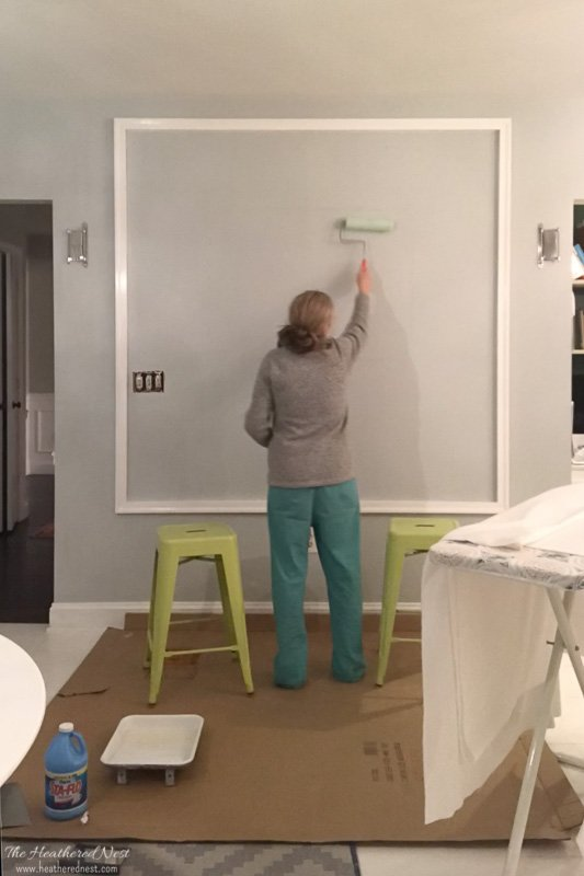 DIY Starched Fabric Wall Treatment - Roll on liquid starch just like paint