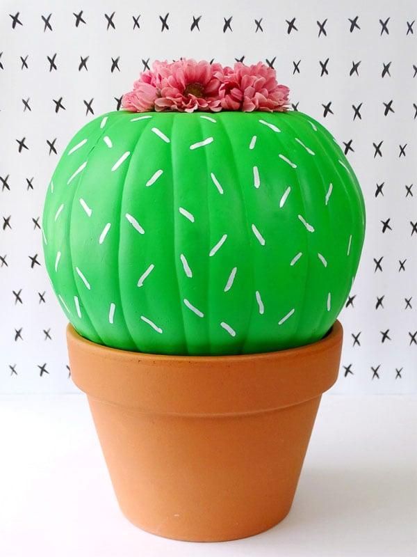 40+ NO CARVE Pumpkin Ideas You'll Want to Try This Fall!! Living La Vida Holoka Cactus Pumpkin in a terra cotta pot