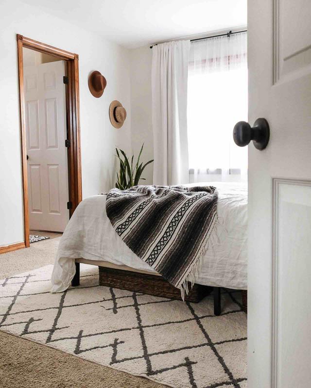 Ben Moore White Dove Joyfully Growing bedroom