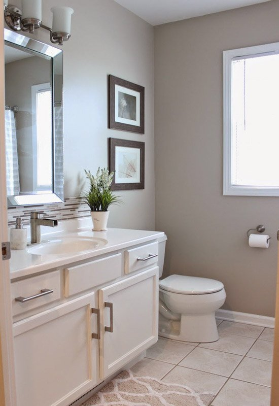 Bathroom with Sherwin Williams Accessible Beige on the walls.