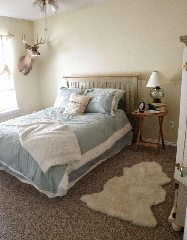 A neutral colored bedroom with SW Alpaca walls