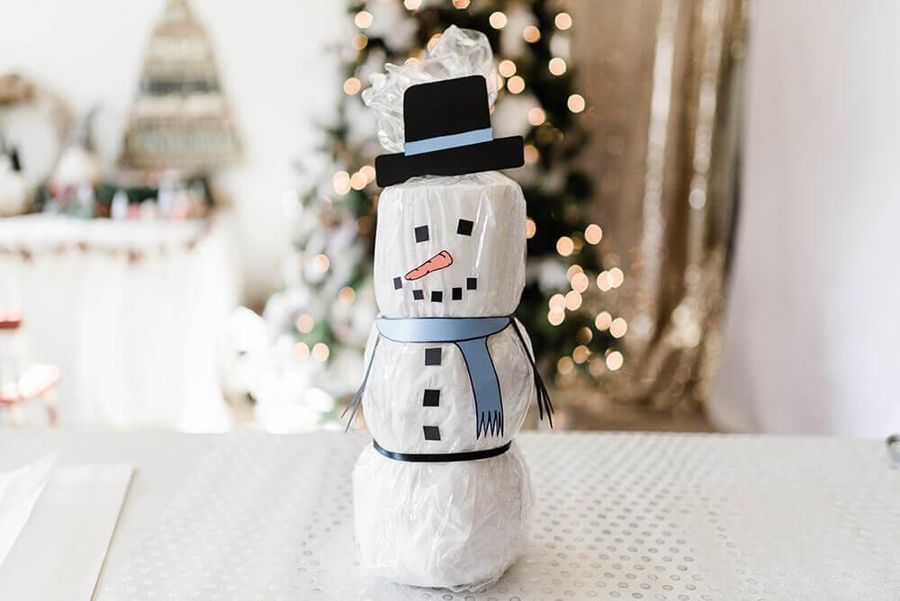 toilet paper snowman statue craft