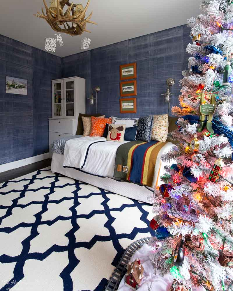 boys outdoor adventures bedroom decorated for christmas